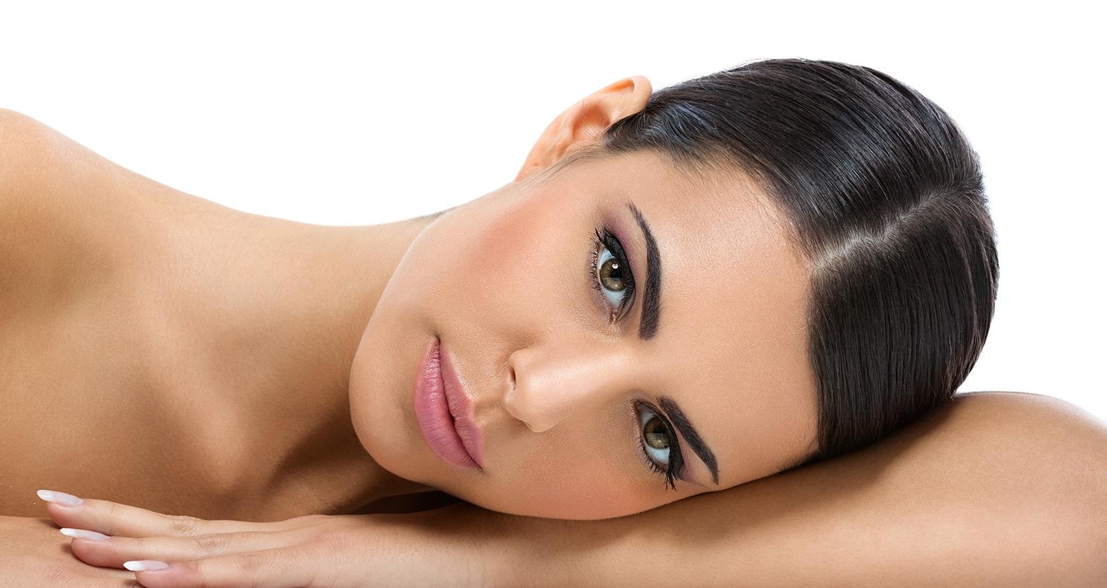 Badyaga le forte le blanchiment de la peau et les taches de pigment